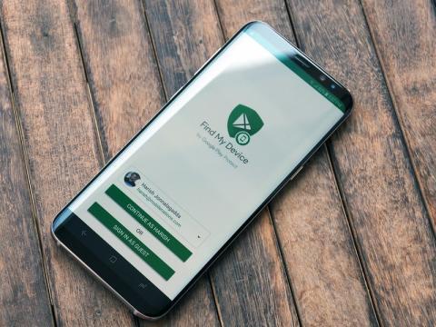 फाइंड माय डिवाइस से पता करें लोकेशन : अगर आपके फोन में इंटरनेट कनेक्शन नहीं है और करंट लोकेशन भी नहीं दिखा रहा है तो आप फाइंड माय डिवाइस का इस्तेमाल कर गूगल मैप की लोकेशन हिस्ट्री की मदद से लोकेशन का पता लगा सकते हैं. यूजर्स इस एप की मदद से मैप्स को भी लॉन्च कर सकते हैं जिससे फोन की एक एक जानकारी उनके पास पहुंचने लगेगी.