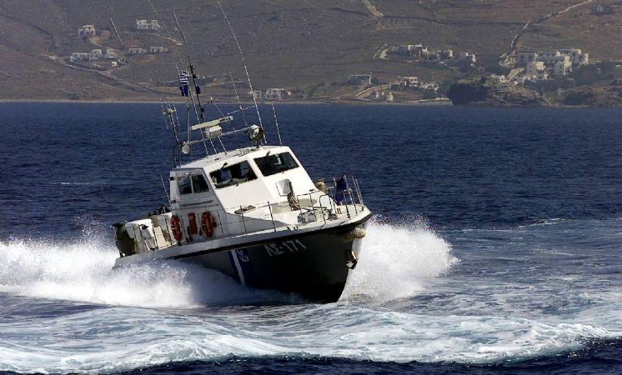 Φωτιά σε σκάφος στη Νέα Καλλικράτεια Χαλκιδικής