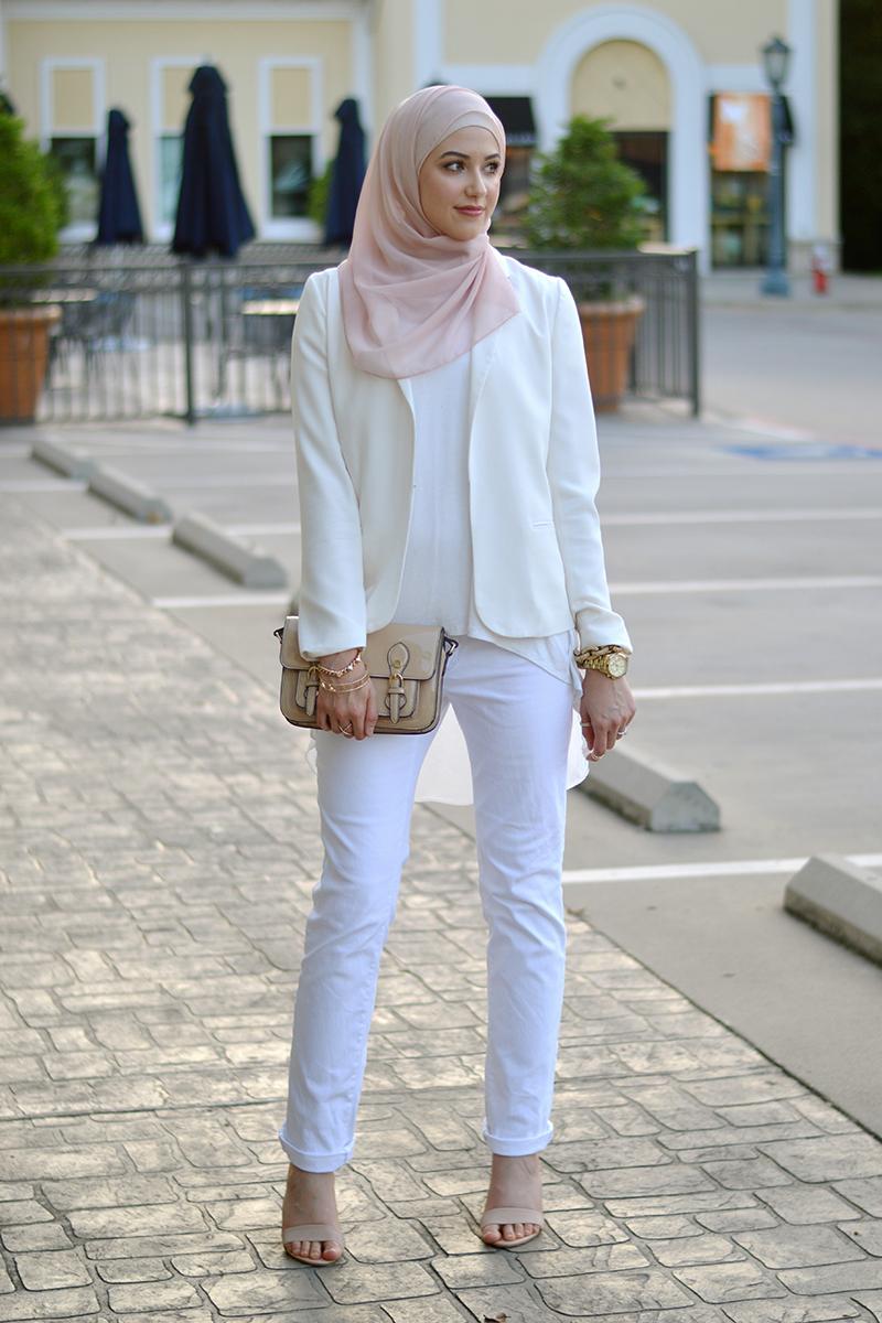 jilbab instan putih polos celana ketat dan seksi