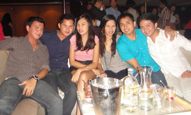 Shufflin' at Republiq