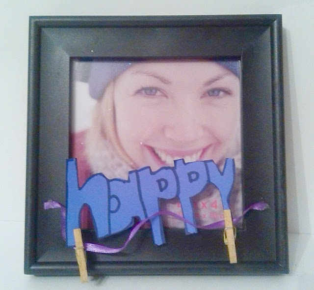 Make a Picture Frame Gift Craft for the Holidays.