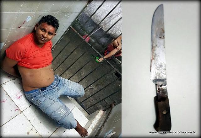 Assaltante esfaqueia cobrador durante assalto a ônibus coletivo