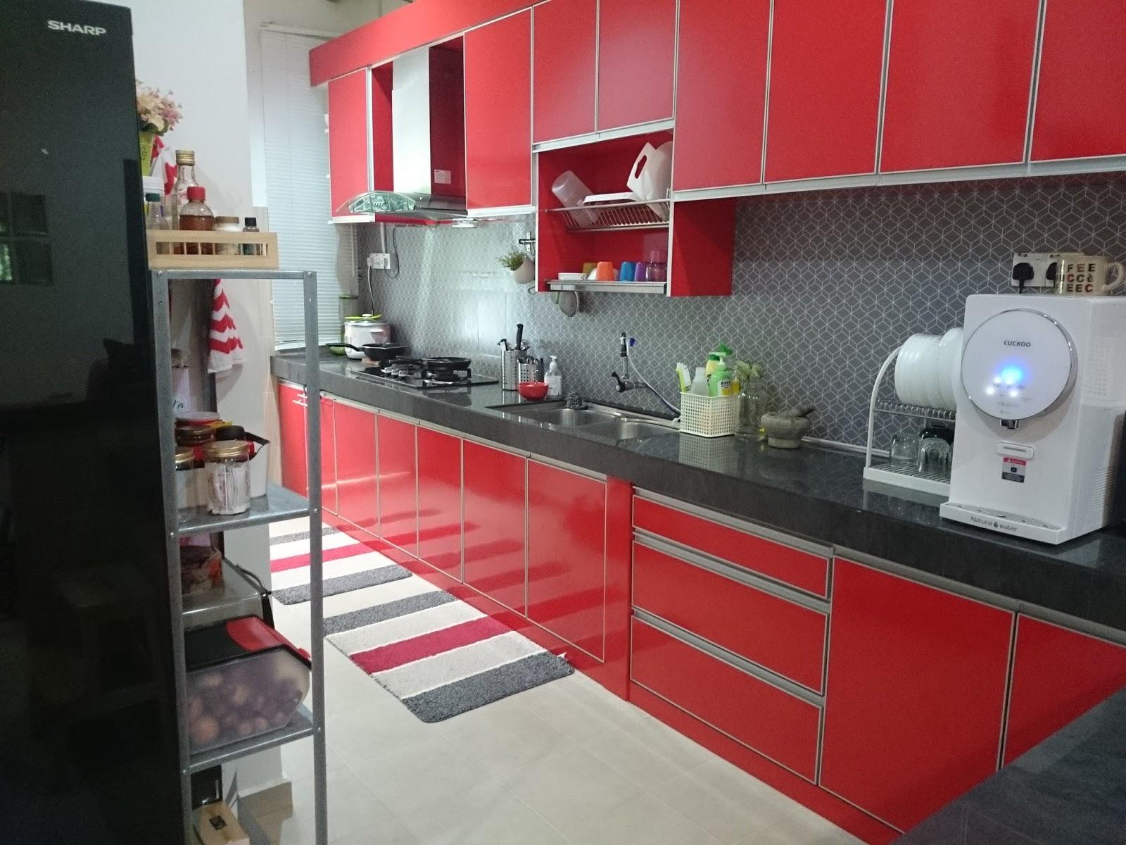 Dapur Kecik Ina Merah Ang Gituw I Like Red So Much Terang Dan Menyerlah Ok Alas Kaki Dah Beli Yang Baru Nanti Share K