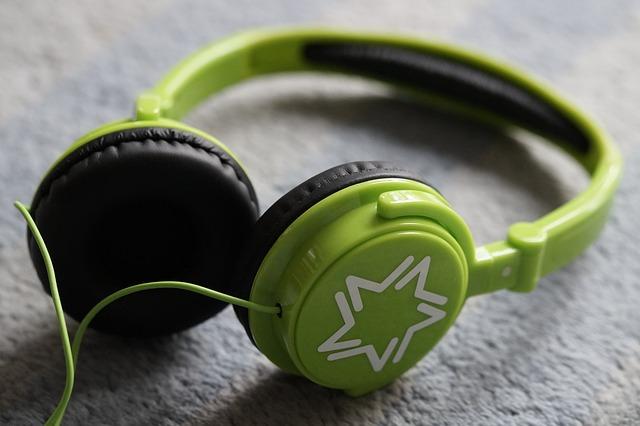 zielone słuchawki nauszne