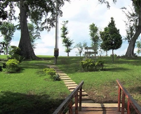 Liburan Keluarga Wana Wisata Dander Bojonegoro