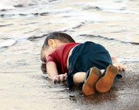 Αϊλάν Κουρντί ονομάζεται το αγόρι που βρέθηκε πνιγμένο στα παράλια της Αλικαρνασσού