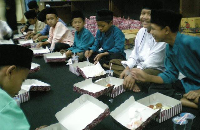 Kisah Inspiratif : Mendapat Rezeki Nomplok Setelah Mengajak Makan Anak Yatim.
