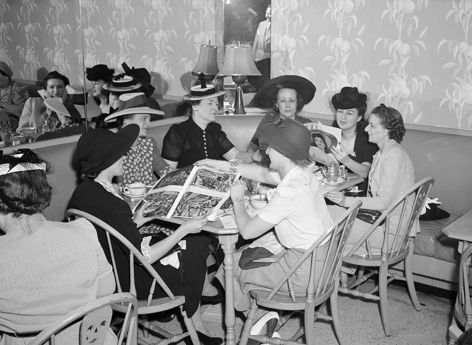 Detroit, Michigan. Shoppers at lunch at the Crowley-Milner department store in July of 1941.