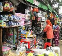 Pasar Gembrong merupakan pasar khusus yang menjual mainan anak-anak dengan  harga grosir. Lokasinya sangat strategis 3d06c760c8