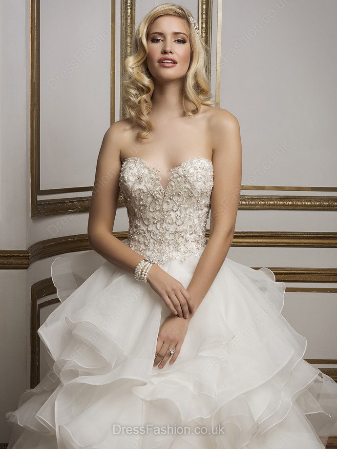 Elegant Sweetheart White Organza Tiered Court Train Wedding Dresses