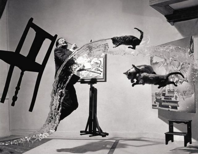 天才、ダリの奇行と不思議なインスピレーション 無重力のような不思議な写真