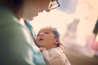 hukum dokotr lelaki sambut kelahiran bayi