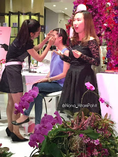 Benefit-cosmetics-brow-wax