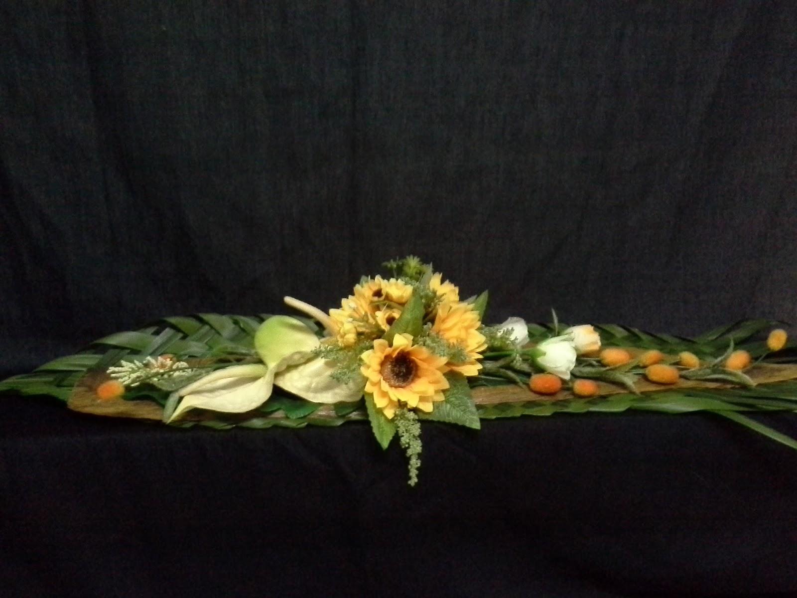 Flowers Are For Love Galeri Bunga Meja Panjang