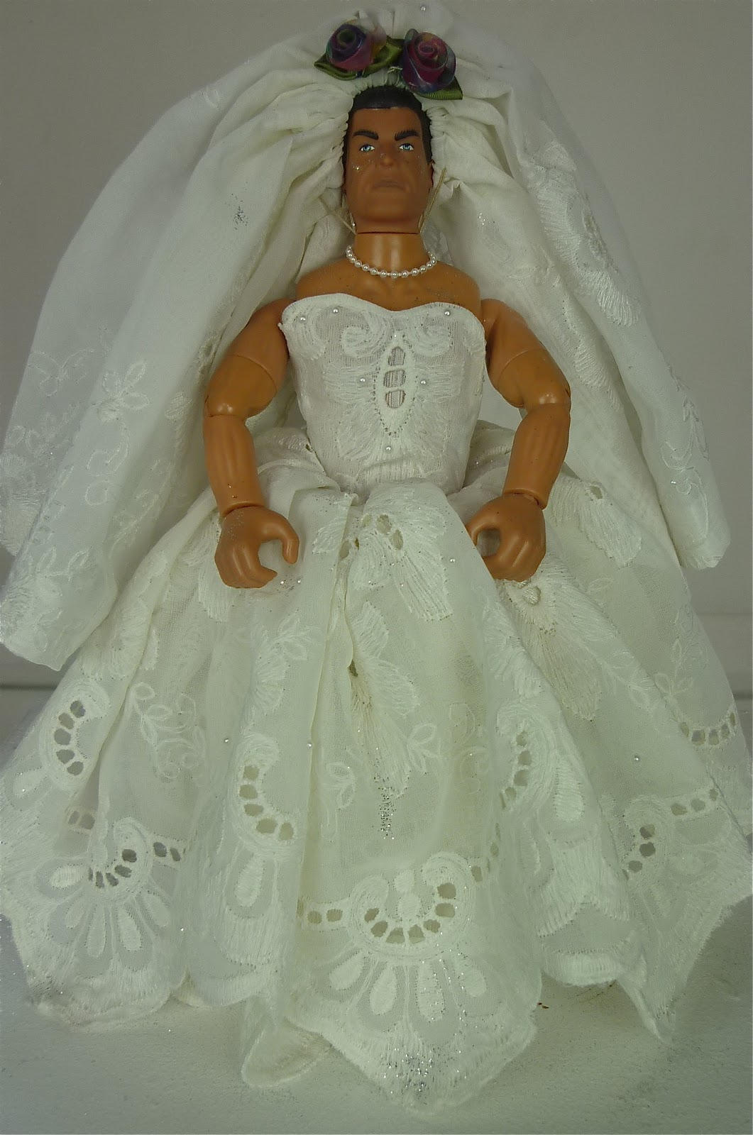 Nan's Cabinet: Wedding Toilet Roll Dolls