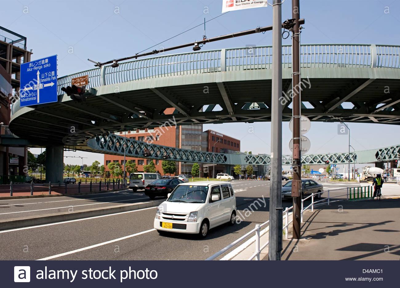 สะพานลอย ภาษาอังกฤษเรียกว่าอะไร