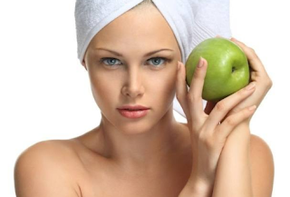 Apples, especially red apples are of great benefits for beautification of the skin. Collagen contained in apples helps to lighten, brighten and soothe the skin. They help to hydrate and cleanse the skin. Apples are of great anti-aging benefit, they keep the skin moist. Apples also contains UVB defending particles that provides protection against harmful sun rays. Apply mashed apple with milk cream on the face to get rid of acne, blemishes and dark spots.