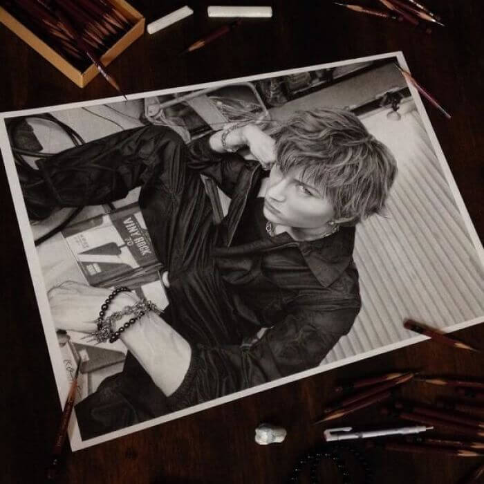 Japanese Artists Makes Realistic Pencil Drawings, And They Look Like Photographs