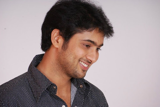 uday kiran wallpapers,tollywood star uday kiran ,manasantanuvvea star uday kiran,nee sneham star udaykiran ,jai sriram hero uday kiran wallpapers,actor udaykiran wallpapers