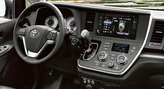 2018 Toyota Sienna Spy Shots