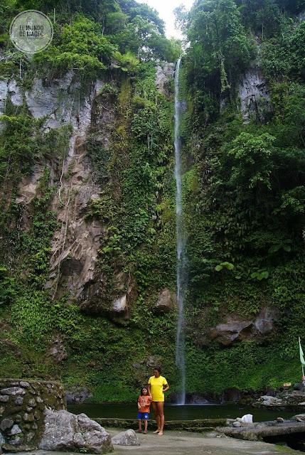Camiguin-la-isla-verde-que-ver-hacer-katibawasan-falls