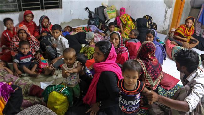 Cyclone Mora hits Bangladesh, 300,000 evacuated from coastal areas