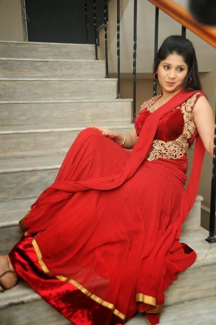 Ziya Khan Glamorous Photos in Red-HQ-Photo-1