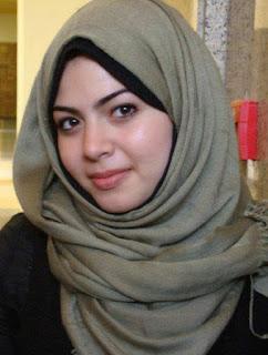 أنا من القاهرة عازبة و حابة أتعرف على راجل فوق 35 سنة
