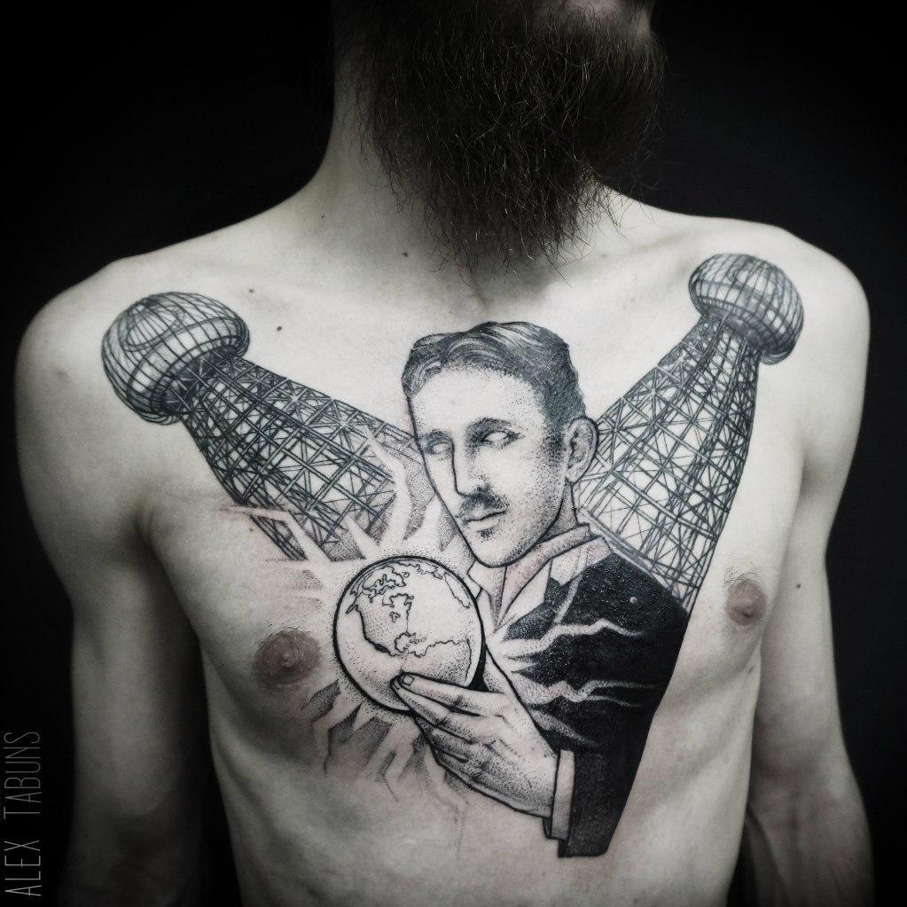 tatuagem masculina grande no peitoral