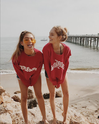 poses tumblr de amigas en la playa faciles