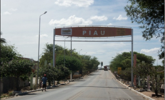 Após meses sem receber da Prefeitura de Piranhas, empresário pega portão de volta do posto de saúde do Distrito do Piau