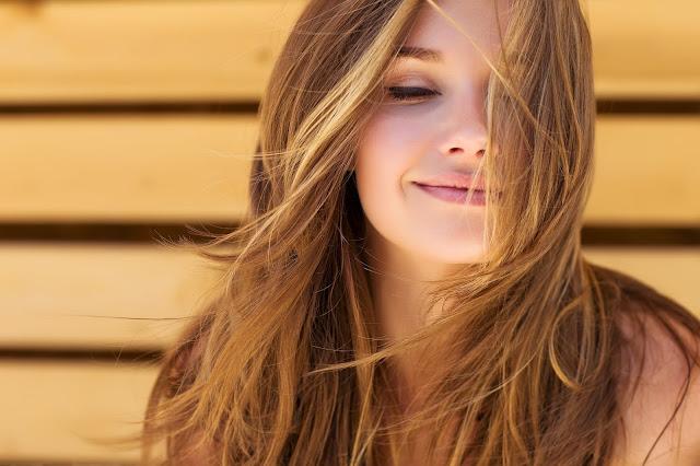 Tips Praktis Agar Wajah Anda Terlihat Lebih Muda