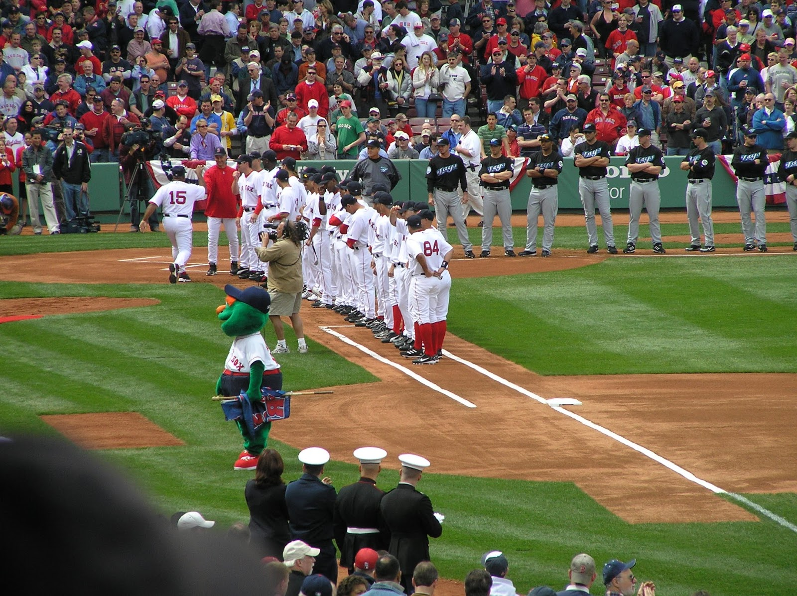 0d5f1f76c8c310 This is the team that broke the Curse of the Bambino in spectacular  fashion, coming from behind to smash their arch-rivals the New York Yankees  and win the ...