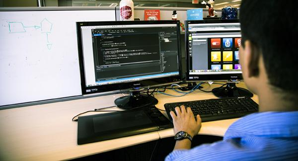 موقع لتشغيل وتجربة الأكواد البرمجية اون لاين لأزيد من 60 لغة برمجة ومن متصفحك مباشرة !