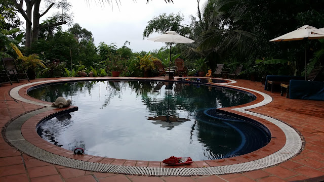 Piscina Hotel Kep Lodge