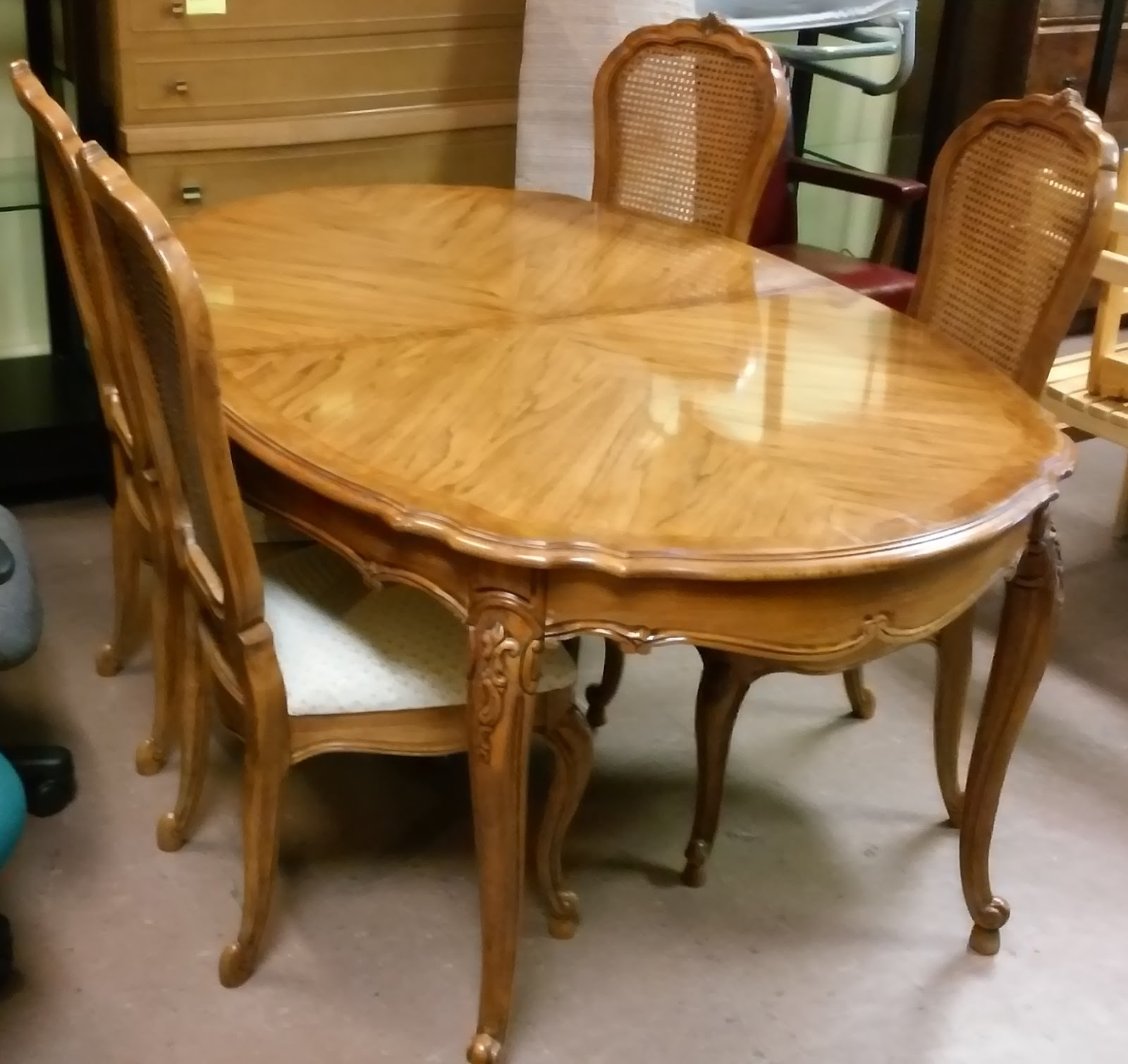 Sold Thomasville French Provincial Dining Set Table Leaf 4 Chairs