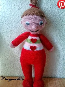 http://mrisolganchillo2.blogspot.com.es/2015/02/patron-amigurumi-bebe-con-pijama.html