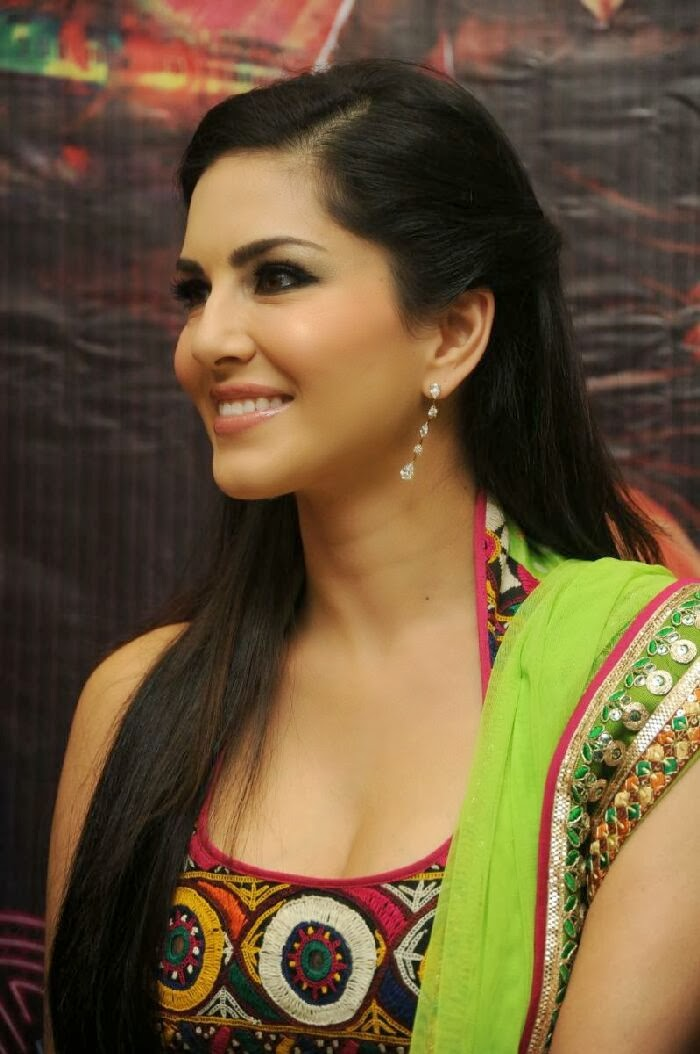 Sunny leone sex with a boy-5652