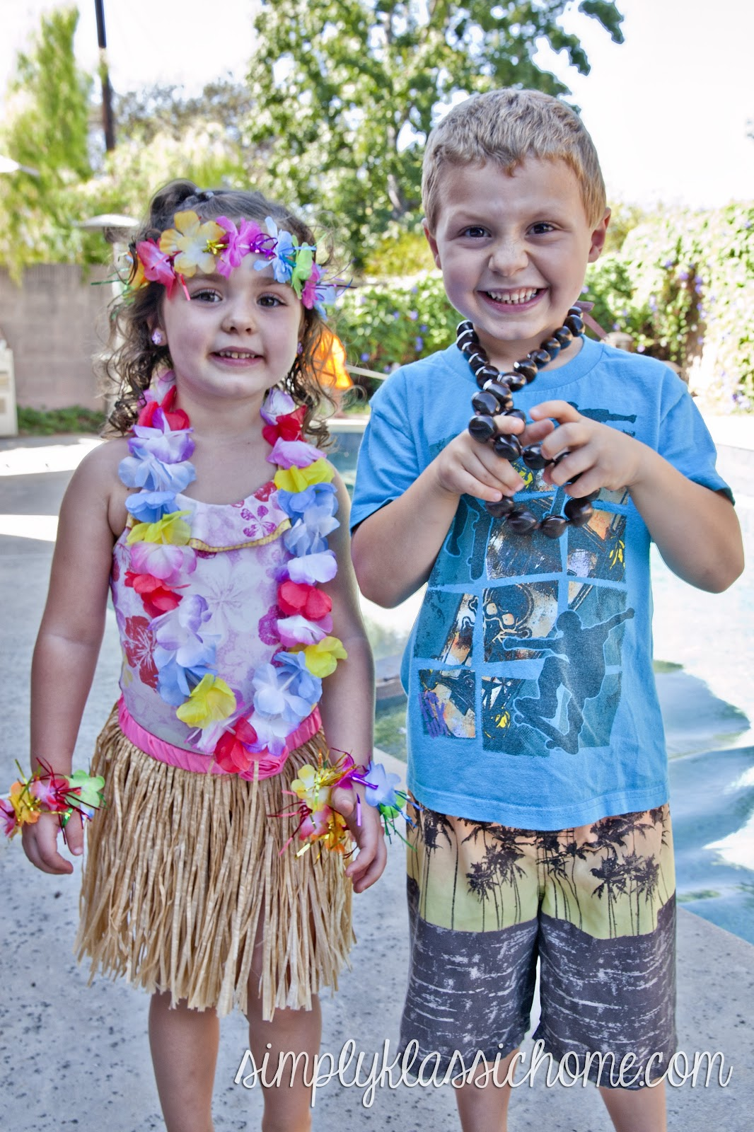 Magnificent Tiki Room Luau Birthday Party Yellow Bliss Road Short Hairstyles For Black Women Fulllsitofus