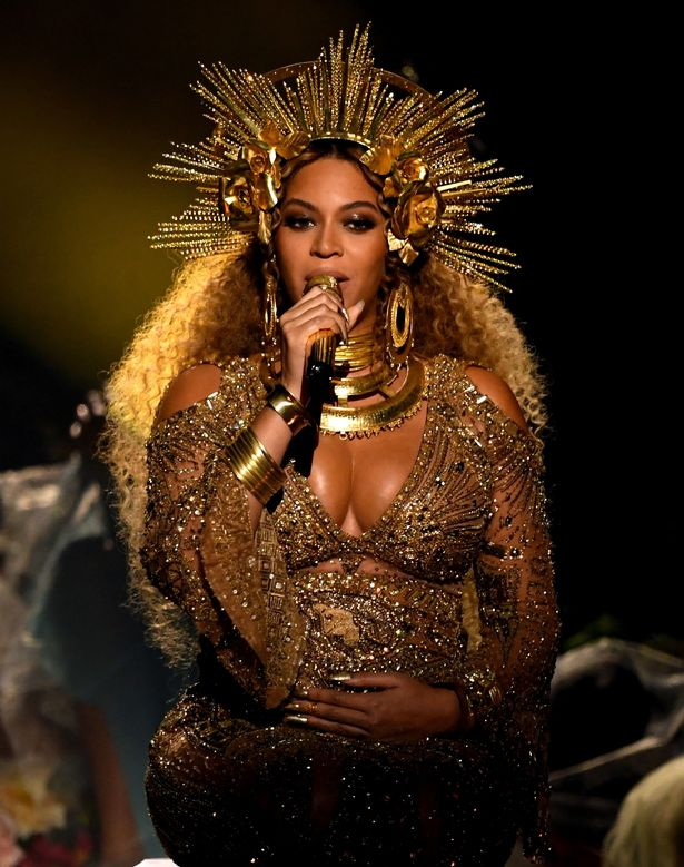Beyonce in 59th-GRAMMY-Awards-Show