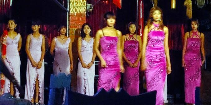 Fashion show ladies in Chinatown