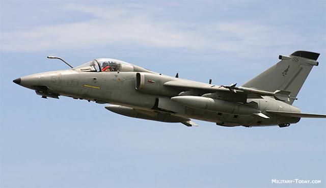 merupakan pesawat yang ditugaskan untuk menyerang sasaran musuh jauh dibelakang garis depa SEPULUH PESAWAT SERANG TERBAIK DI DUNIA SAAT INI