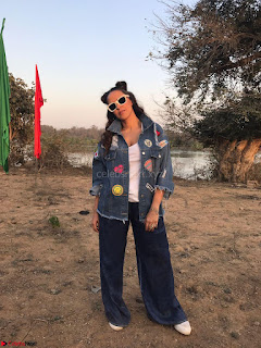 Neha Dhupia In seasame and Swarovski on the sets of roadies Rising (1) ~ .jpeg
