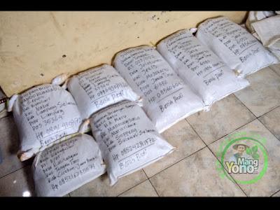 FOTO : Pembeli Benih Padi TRISAKTI dan NAZWA Periode 6 - 12 November