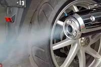 Penyebab dan Cara Mengatasi Motor Berasap Putih Tipis