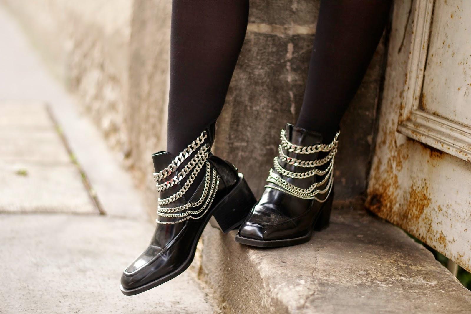 香奈儿风格的靴子