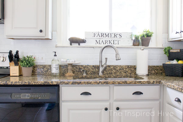 DIY faux brick backsplash for a farmhouse style kitchen makeover