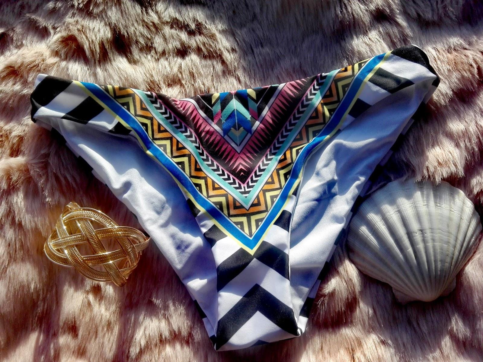 http://www.zaful.com/strappy-patterned-bikini-p_255748.html?lkid=24467