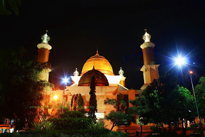 Masjid Agung Sukabumi di malam hari