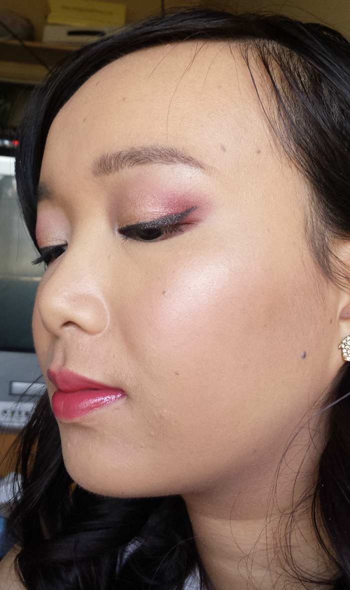 candy cane inspired christmas makeup using anastasia beverly hills modern renaissance palette
